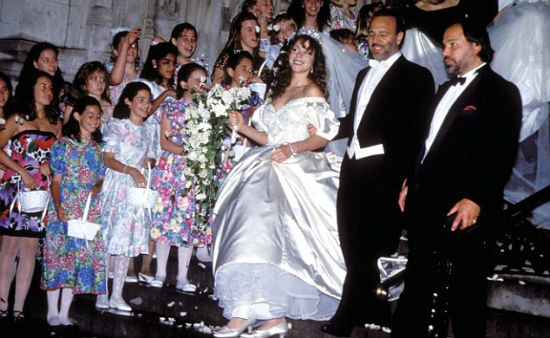 Mariah Carey marries Tommy Mottola